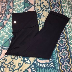 Navy Lululemon Cropped aligns